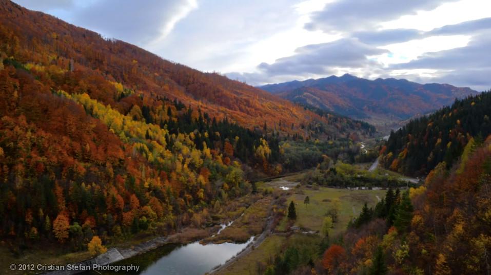 Mountain Timelapse Romania judetul Neamt