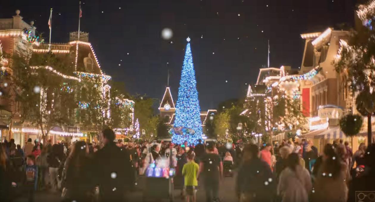 Disneyland Time Lapse - Christmas Edition 4K