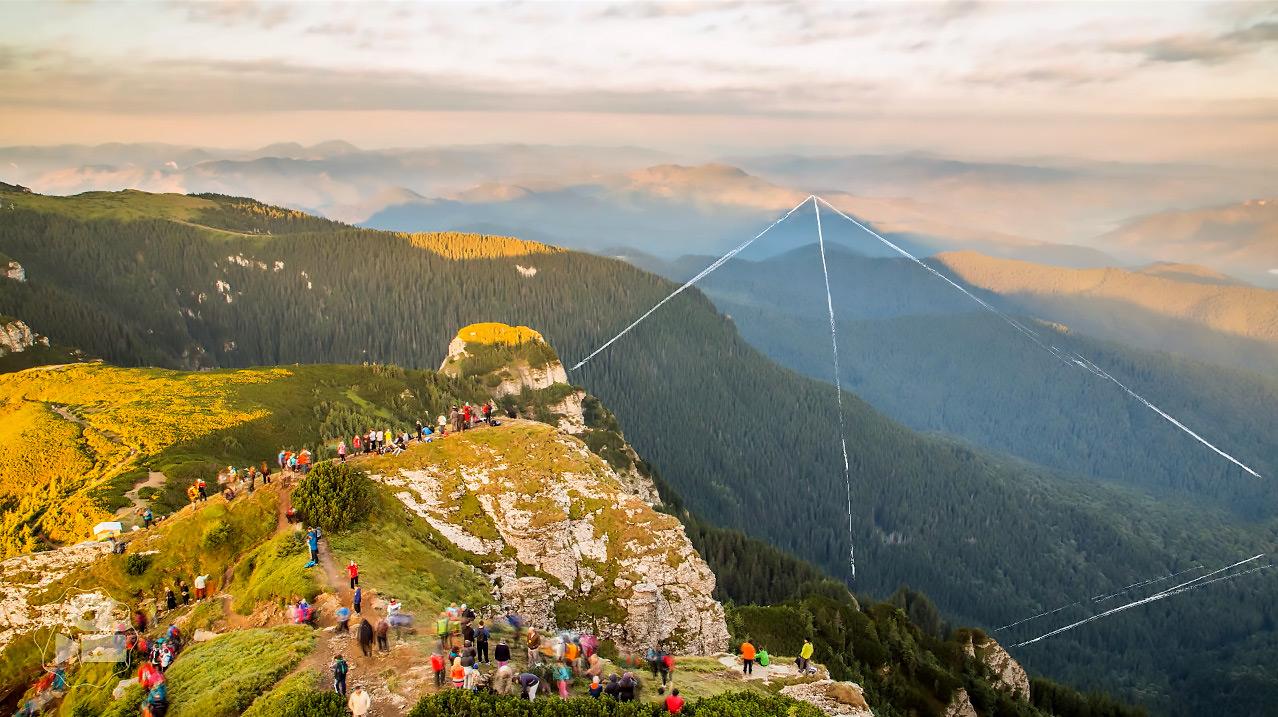PARANORMAL---Piramida-holografica-de-pe-Ceahlau